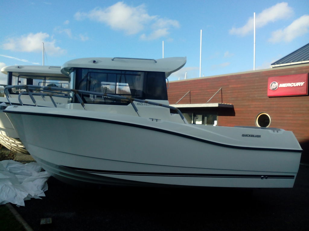 photo de destocage QUICKSILVER CAPTUR 605 PILOTHOUSE