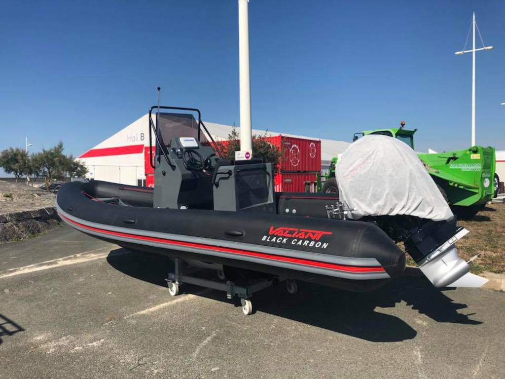 photo de VALIANT 630 SPORT FISHING BLACK CARBON  150 CV PRO XS MERCURY  PROMOTION
