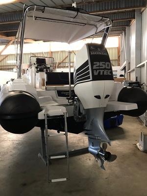 Ranieri Cayman 23 Sport Touring 2016