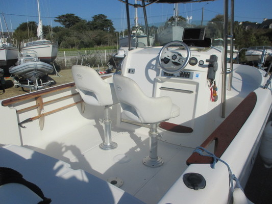 Sessa Marine Key Largo 22 Deck 2005