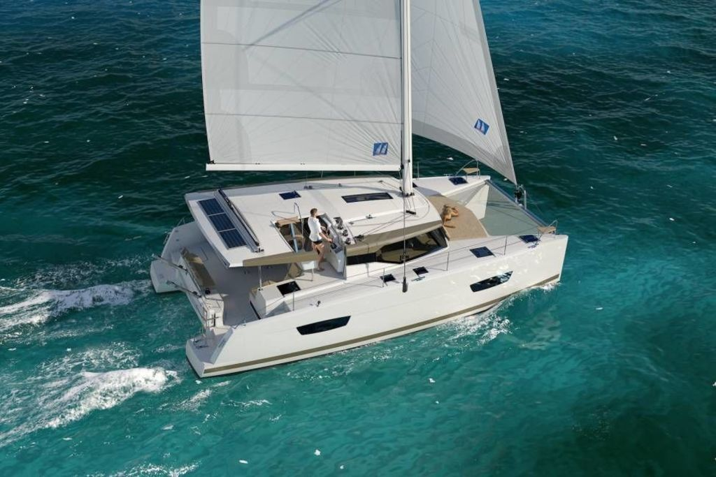 photo de FOUNTAINE PAJOT LUCIA 40 MAESTRO 2 2019