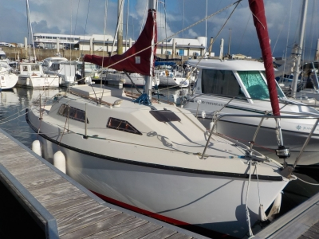 photo de CALIFORNIA 660 BILGE KEEL BENETEAU