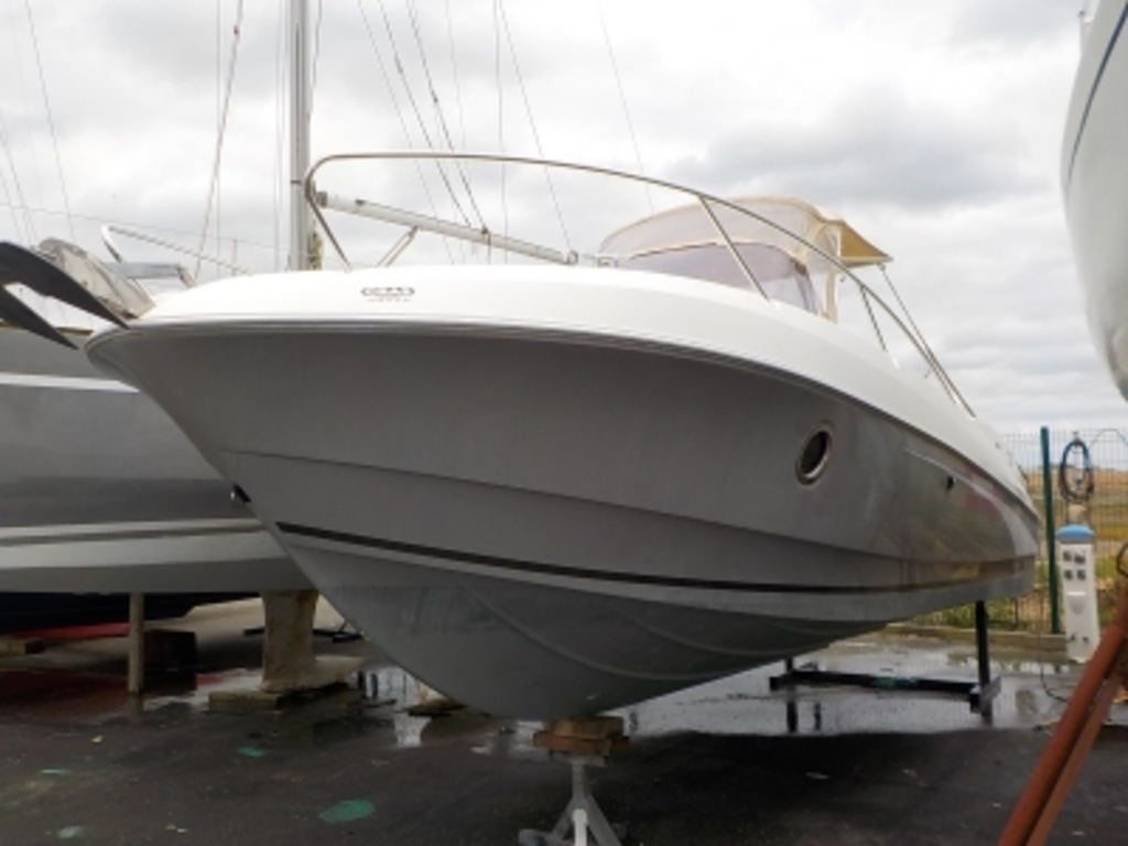 photo de FLYER 750 SUNDECK BENETEAU
